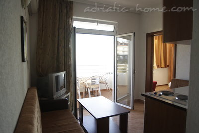 Apartments ADRIATIC II, Ulcinj, Montenegro - photo 10