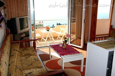 Apartments ADRIATIC II, Ulcinj, Montenegro - photo 5