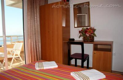 Apartments ADRIATIC II, Ulcinj, Montenegro - photo 4