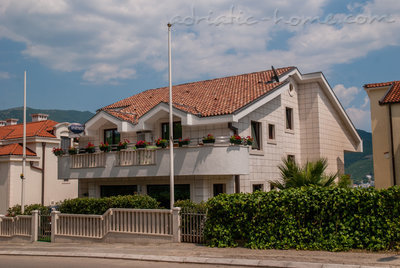 Apartments VILLA LABAN, Herceg Novi, Montenegro - photo 6