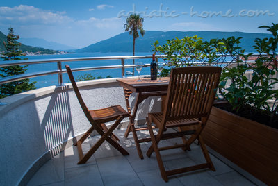 Apartments VILLA LABAN, Herceg Novi, Montenegro - photo 8