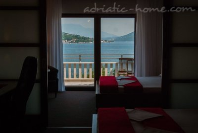 Apartments VILLA LABAN, Herceg Novi, Montenegro - photo 13