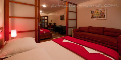 Apartments VILLA LABAN II, Herceg Novi, Montenegro - photo 2