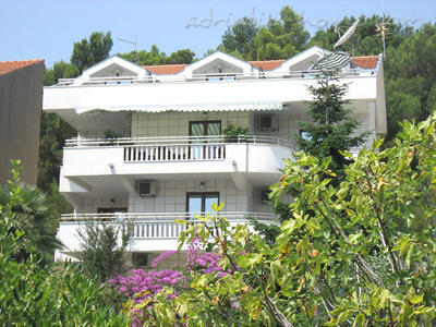 Apartments VILLA LABAN III, Herceg Novi, Montenegro - photo 2