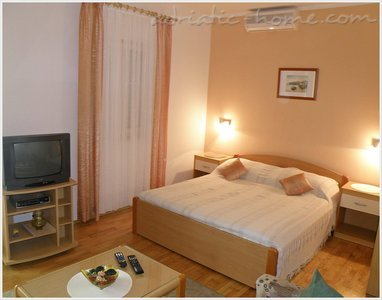 Apartments VILLA ANA IV, Molunat (Konavle), Croatia - photo 2