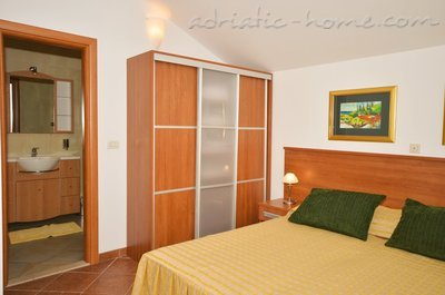 Apartments VILLA MARINA III, Molunat (Konavle), Croatia - photo 10