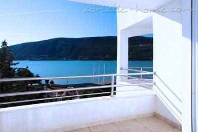 Studio apartment APARTHOTEL KUKOLJAC II, Herceg Novi, Montenegro - photo 1