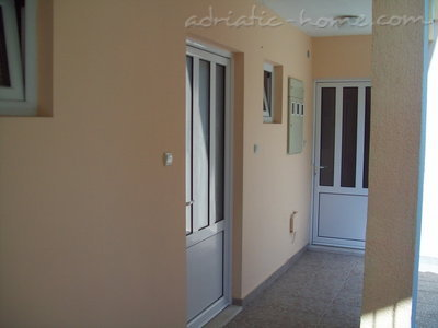 Apartments RAŠOVIĆ III, Herceg Novi, Montenegro - photo 2