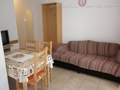 Apartments VILLA ZEFERINA , Vodice, Croatia - photo 3