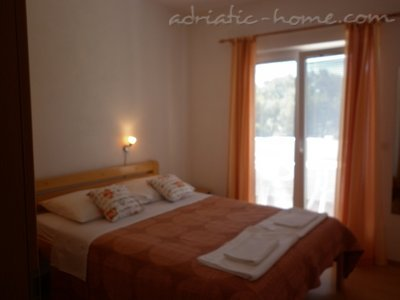 Apartments VILLA ZEFERINA IV, Vodice, Croatia - photo 4