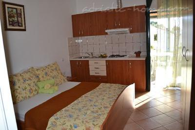 Apartment BULUM III, Hvar, Croatia - photo 3