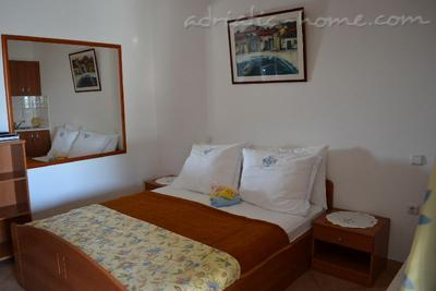 Apartments BULUM IV, Hvar, Croatia - photo 4