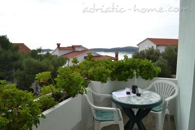 Apartments BULUM VI, Hvar, Croatia - photo 4
