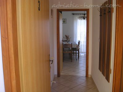 Apartment VITKOVIĆ III, Cres, Croatia - photo 8