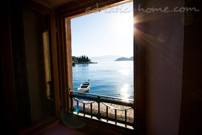 Apartments VILLA SERVENTI II, Tivat, Montenegro - photo 4