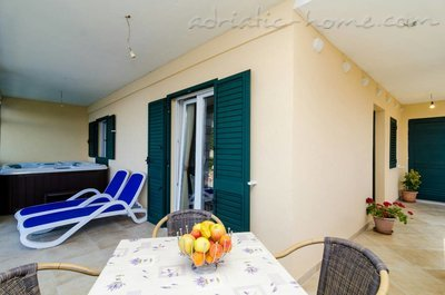 Ferienwohnungen Adriatic-apartment with jacuzzi, Mljet, Kroatien - Foto 1