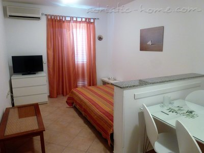 Apartments DIVNA - PALMA, Baška Voda, Croatia - photo 5