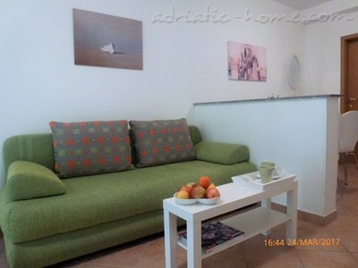 Apartments DIVNA - PALMA, Baška Voda, Croatia - photo 3