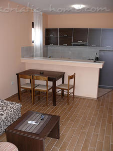 Studio apartment VILLA AZUR, Petrovac, Montenegro - photo 4