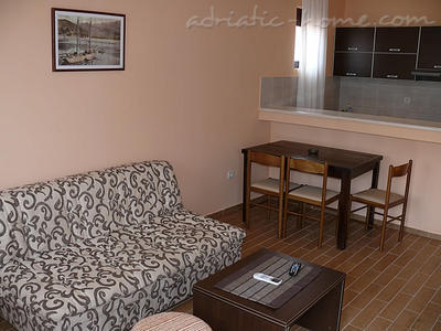 Studio apartment VILLA AZUR, Petrovac, Montenegro - photo 6