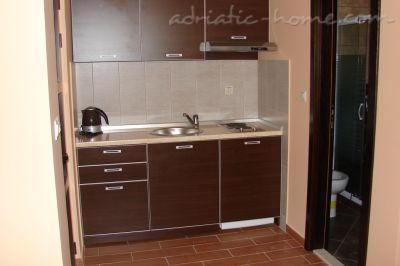 Apartments VILLA AZUR III, Petrovac, Montenegro - photo 5