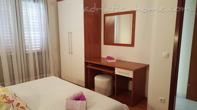 Apartments MARIJA  IV, Brela, Croatia - photo 2