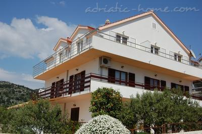 Apartments TAMARIS, Hvar, Croatia - photo 3