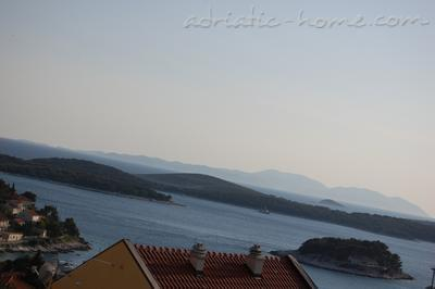 Apartments TAMARIS, Hvar, Croatia - photo 4