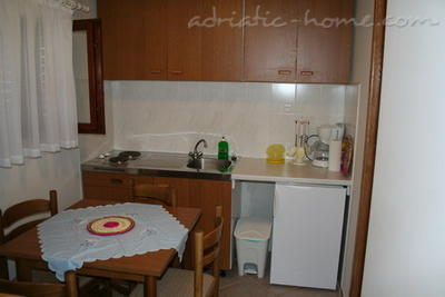 Apartments PETRIC III ***, Trogir, Croatia - photo 5