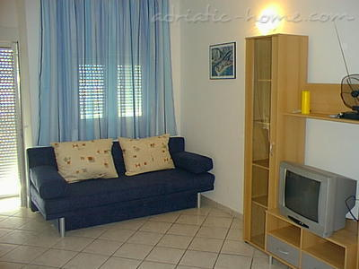 Apartments ADRIA TOP HOUSE   F, Omiš, Croatia - photo 5