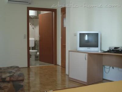 Studio apartment BEGIĆ ****, Makarska, Croatia - photo 4