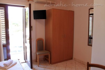 Studio apartment IDA, Hvar, Croatia - photo 3