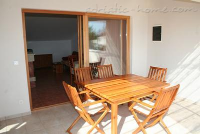 Apartments DOLAC Penthouse, Hvar, Croatia - photo 4