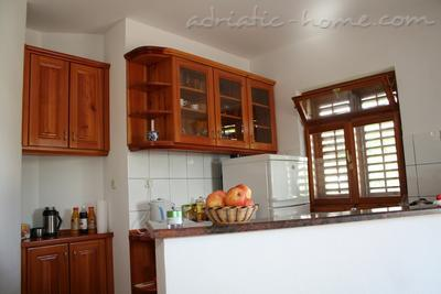Apartments DOLAC A1, Hvar, Croatia - photo 4