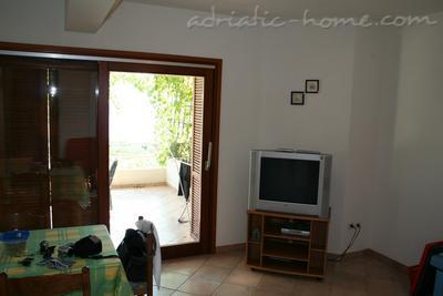 Apartments DOLAC A1, Hvar, Croatia - photo 6