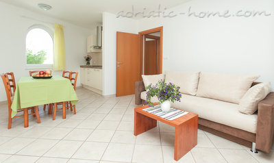Appartementen Martina BOL two bedroom, Brač, Kroatië - foto 1