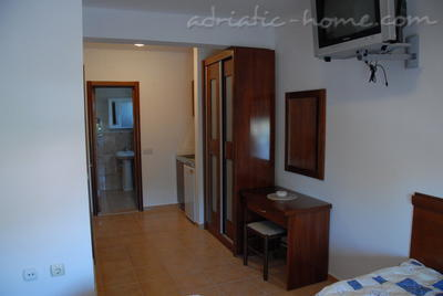 Studio apartment BUZUKU III, Ulcinj, Montenegro - photo 6