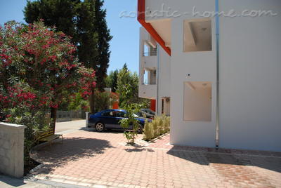 Studio apartment BUZUKU III, Ulcinj, Montenegro - photo 4