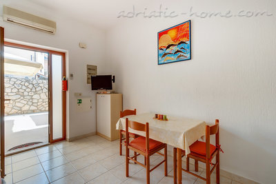 Apartments EVA IV, Cres, Croatia - photo 2