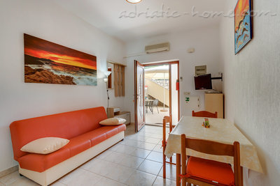 Apartments EVA IV, Cres, Croatia - photo 4