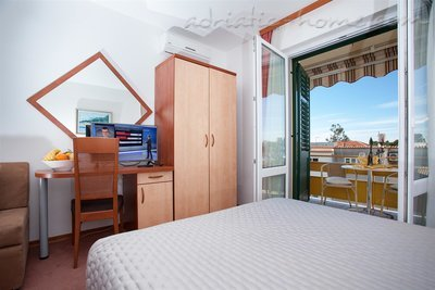 Studio apartment Apartments Giardino, Makarska, Croatia - photo 9