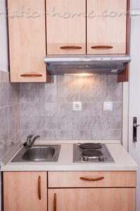 Studio apartment Apartments Giardino, Makarska, Croatia - photo 11
