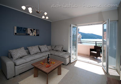 Apartments SUNSET VI, Herceg Novi, Montenegro - photo 3