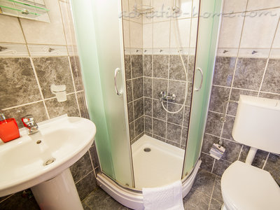 Studio apartment VIKTORIJA I, Buljarica, Montenegro - photo 6
