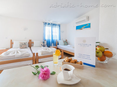 Studio apartment VIKTORIJA III, Buljarica, Montenegro - photo 1