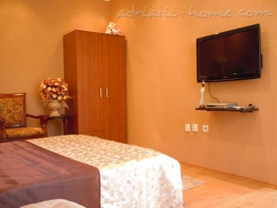 Apartments Deluxe VILLA LASTVA IV   ****, Tivat, Montenegro - photo 8