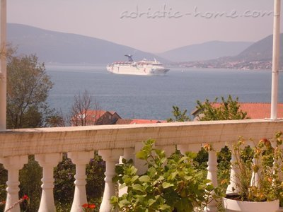 Apartments Deluxe VILLA LASTVA IV   ****, Tivat, Montenegro - photo 5