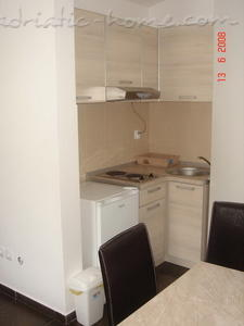 Studio apartment PAJOVIĆ II, Kotor, Montenegro - photo 2
