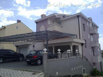 Apartments VILLA LUČIĆ, Makarska, Croatia - photo 12