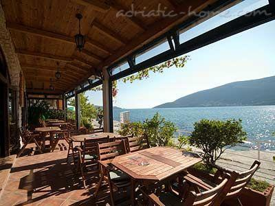 Apartments TWINS-IGALO II, Herceg Novi, Montenegro - photo 7